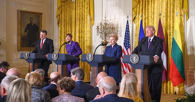 Страны Балтии попросят США увеличить собственный военный контингент врегионе