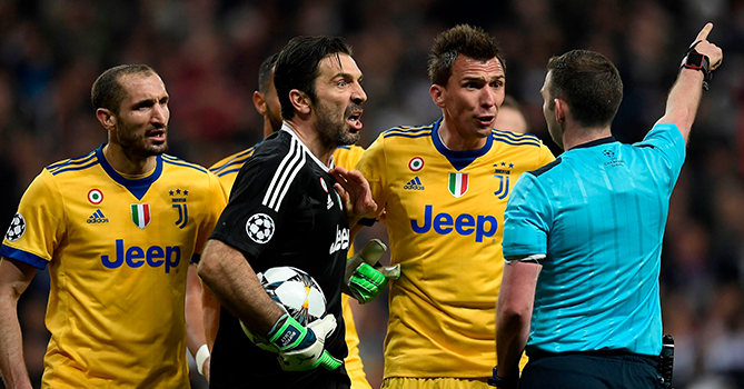 Арбитру Оливеру угрожают расправой после матча «Реал»— «Юве»