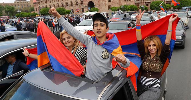 ВЕреване снова возобновились акции протеста