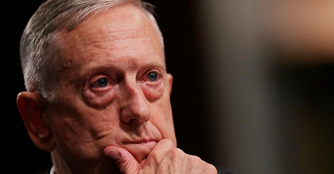 Руководитель Пентагона объявил онеобходимости «гибких исключений» изсанкций противРФ