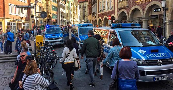 Автомобиль въехал вгруппу людей вМюнстере, три человека погибли