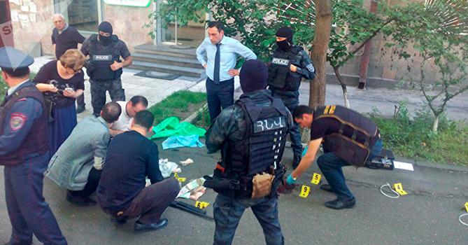 Задержанным грабителем банка вЕреване оказался полковник милиции