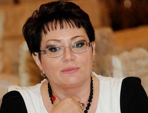 Эльмира Ахундова удостоена звания «Народного писателя»
