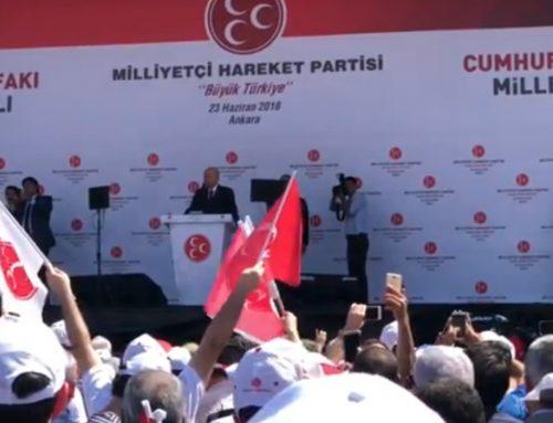 Глава MHP Девлет Бахчалы выступает перед избирателями