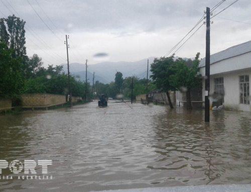 Проливной дождь затопил дома в Агдаме