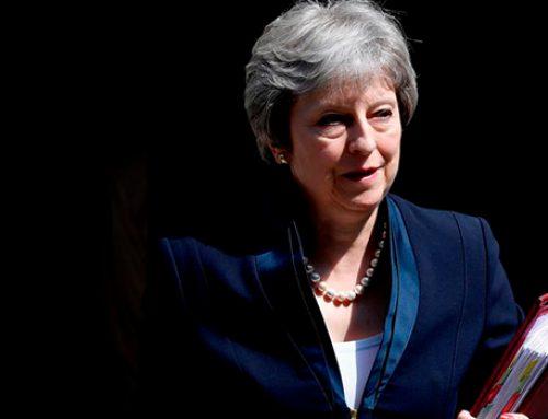 В Британии запустили процедуру голосования по вотуму недоверия Терезе Мэй