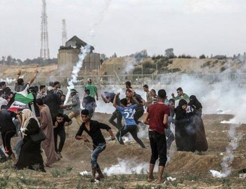 На границе сектора Газа погиб палестинец, десятки ранены