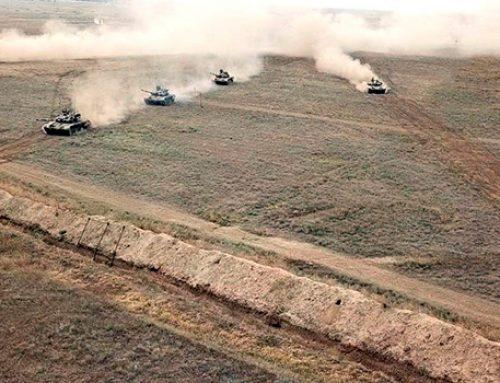 Ракетные и артиллерийские подразделения Азербайджанской армии проводят учения с боевыми стрельбами