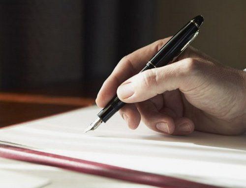 Подписан закон, предусматривающий штраф за курение в автобусах и такси