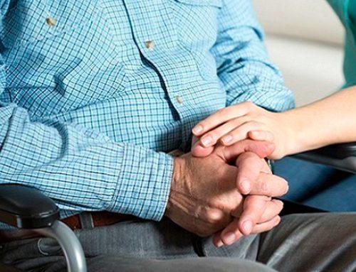 Уход за членом семьи с инвалидностью могут приравнять к работе