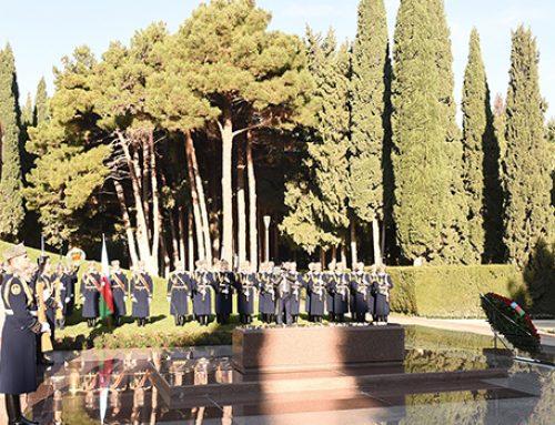 Президент Ильхам Алиев почтил память Гейдара Алиева